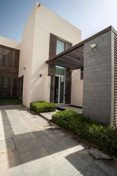 Villa/Abu Dhabi