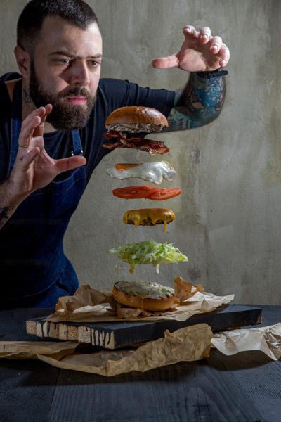 The Burger Whisperer- Chef || Αντώνης Μουστάκης